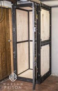 warsaw prison solitary box